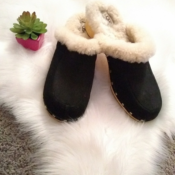 Uggs Australia Shoes - Ugg Australia clogs sz 10